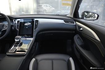 2020款荣威i6 MAX 300TGI 自动爽酷天幕版
