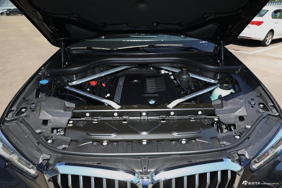 2021款宝马X5改款 xDrive40i尊享型M运动套装