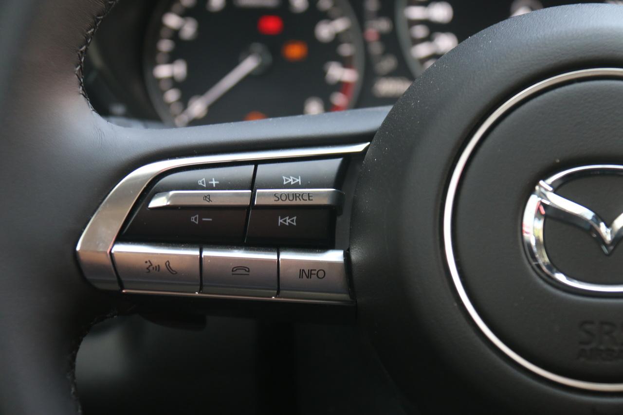 2020款马自达CX-30 2.0L自动尊悦型