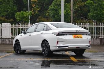 2021款奕炫MAX 1.5T 超能型爸版