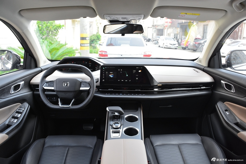 2022款第二代长安CS55 PLUS 1.5T自动尊贵型