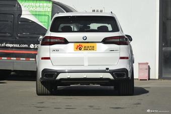 2021款宝马X5 xDrive40i尊享型M运动套装