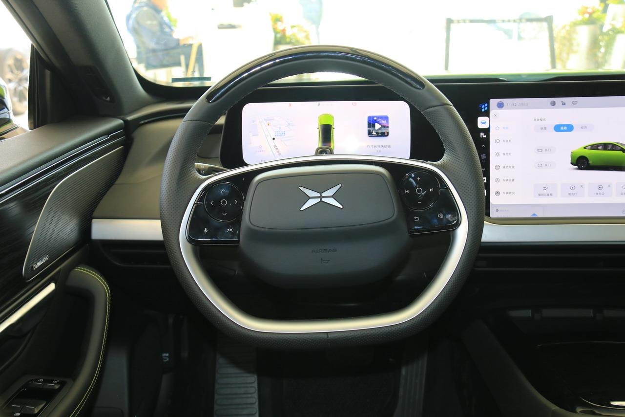 2021款小鹏汽车P7 后驱超长续航鹏翼版