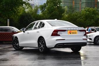 2022款沃尔沃S60 B4 智远豪华版
